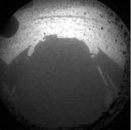 Immagine 2 - Curiosity è atterrata su Marte !