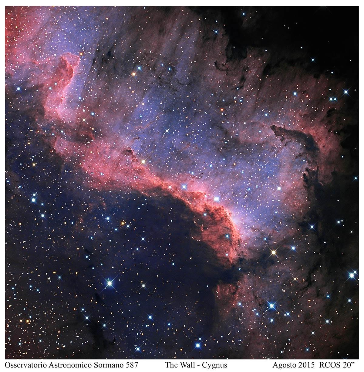 Foto Osservatorio  - The Cygnus Wall, un murales dei cieli